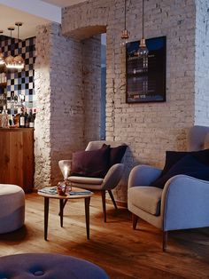 Michelin-starred Henrik Yde turns his talents to the humble burger at Burger & Bun Copenhagen Retail Interior, Cafe Interior, Exterior Design, Interior And Exterior, Design Café, Design Ideas, Houses Of The Holy, Café Bar, Cool Bars