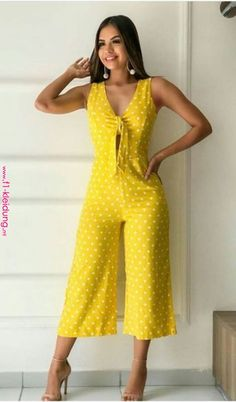 Love this bright yellow and white polka dot jumpsuit.Pin by Kelly Johanna on Ropa in 2019 Find this season's must-have designer dresses, jeans, tops, jackets & more from top designer brands! Stylish Dresses, Fashion Dresses, Summer Work Outfits, Look Chic, Jumpsuits For Women, African Fashion, Casual Chic, Casual Looks, Plus Size Fashion
