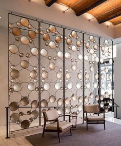 Room Divider Idea - Artist Christophe Côme created a 'Bubble Screen', made from iron, industrial crystal and molded glass lenses, that is art and also functions as a room divider in the lobby of a New York building. Partition Screen, Divider Screen, Glass Partition, Hanging Room Dividers, Sliding Room Dividers, Screen Design, Room Partition Designs, Partition Ideas, Cool Walls
