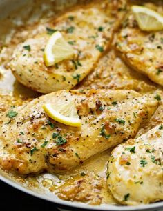 Skillet Chicken topped with A Lemon garlic Cream Sauce - Ready in 30 minutes are perfect over a bed of angel hair pasta!One Skillet Chicken topped with A Lemon garlic Cream Sauce - Ready in 30 minutes are perfect over a bed of angel hair pasta! Low Carb Recipes, Cooking Recipes, Paleo Recipes, Cooking Tips, Easy Recipes, Zoodle Recipes, Cooking Classes, Easy Cooking, Italian Food Recipes