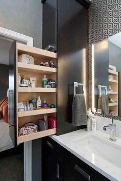 Avec cet ingénieux tiroir à coulisse, vous pouvez organiser tous vos articles de toilette.