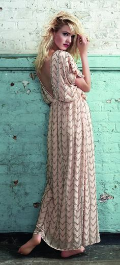 LOVE LOVE LOVE!!   Found on Miss Maries blog, the dress is from Dorothy Perkins.