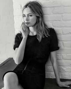 #feiradasvaidades #EmilyBlunt by #JoshOlins for #VogueUK at http://ift.tt/2e1TOpi