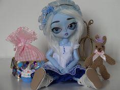 Hujoo blue skin fullset- Bjd    http://cgi.ebay.fr/Hujoo-blue-skin-24-cm-FULL-SET-bjd-no-Pullip-/281009340510?pt=FR_YO_Jeux_PoupeesBeaute=item416d76405e