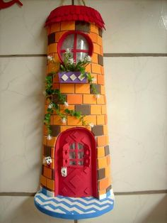telhas decoradas - Pesquisa Google Clay Houses, Magical Creatures, Clay Art, Tree Branches, Decoupage, Art Pieces, Projects To Try, Home And Garden, Outdoor Decor