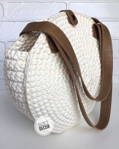 Marvelous Crochet A Shell Stitch Purse Bag Ideas. Wonderful Crochet A Shell Stitch Purse Bag Ideas. Crochet Backpack, Crochet Tote, Crochet Handbags, Crochet Shoes, Crochet Purses, Crochet Slippers, Crochet Baby, Knit Crochet, Crochet Shell Stitch