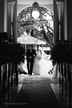 Casamento Marcela e Eduardo - 07/11/15 - Noiva se arrumando em casa. Cerimônia na Capela de São Sebastião. Festa de casamento no Zimbro Gastronomia - Fotografia de casamento em Poços de Caldas, MG.
