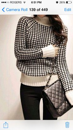 One of those turtle neck sweater I need to have !