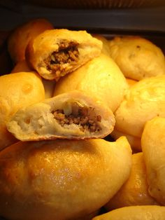 Piragas are a family favorite except I use a sweet roll dough recipe and substitute bacon Sweet Roll Dough Recipe, Great Recipes, Favorite Recipes, Yummy Recipes, Estonian Food, Ham And Cabbage, Ukrainian Recipes, Ukrainian Food, Bacon Roll