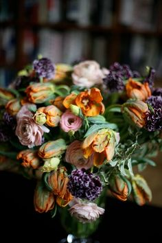 Holy Beautiful. variegated boxwood, ranunculus, variegated scabiosa and parrot tulips. Amazing!