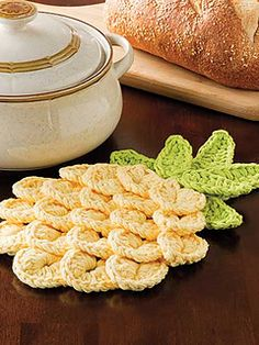Crocodile stitch for pineapple - cute idea. Potholder