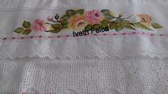 Jogo de toalhas de banho.Pintura em tecido.