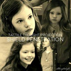 Twilight Movie Scenes, Twilight Poster, Twilight Saga Series, Twilight Cast, Jacob And Renesmee, Twilight Renesmee, Twilight Vampire Powers, Edward Bella, Bella Cullen