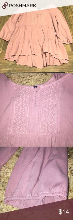 Flowy mauve American Eagle tunic Tiered tunic, barely worn. Beautiful mauve color, most accurate in second picture. American Eagle Outfitters Tops Tunics