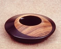 how to pierce woodturnings Wood Turning Projects, Wooden Projects, Wood Crafts, Free Lumber, Bowl Designs, Woodworking Projects, Lathe Projects, Wood Bowls, Wooden Art