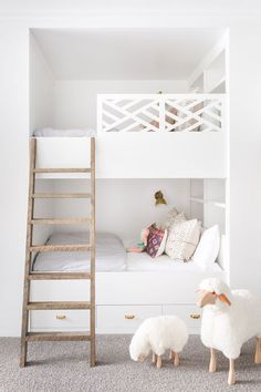 Flawless design of mountain house in Utah interior #design #home #decor #idea #inspiration #cozy #style #Room #light #color #white #kids #room #girl #boy #bunk #bed #traditional #modern