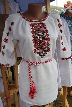 a20fea0749403a Якщо ви яскрава та стильна українка, яка любить дивувати та зачаровувати,  то ця модель