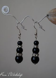 Earings with Onyx and crystals.