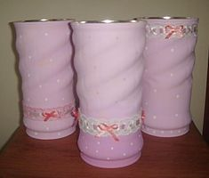 DIY, Beautiful and Ingenious Ideas Tin Can Crafts, Diy And Crafts, Decoupage Jars, Unicorn Ornaments, Jute Fabric, Diy Cans, Aluminum Cans, Bazaar Ideas, Pink And White Flowers