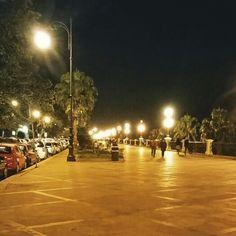 Lungomare di Reggio Calabria. Il Km piú bello d'Italia. Passeggiata in una sera di Gennaio.