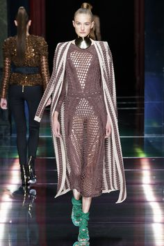 Balmain Spring 2016 Ready-to-Wear Fashion Show - Sanne Vloet (Viva)