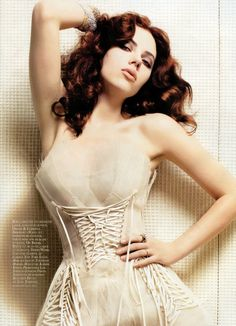 Scarlett Johanson with dark hair, in a stunning dress. and so much better then as a trashy blonde