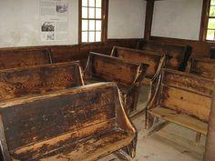 Inside the Old Sturbridge Village School Old School Desks, Old School House, School Fees, Public School, Sturbridge Village, Country School, Grammar School, Colonial America, Vintage School