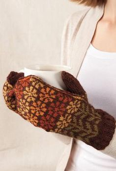 Isidora Mittens / Links to KnitPicks for pattern (cheaper than Ravelry) Mittens Pattern, Knit Mittens, Knitted Gloves, Knitting Stitches, Knitting Patterns, Crochet Patterns, Wrist Warmers, Hand Warmers, Fingerless Mitts