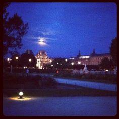 Louvre   moon