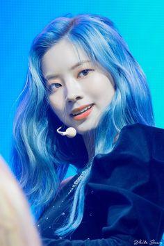 Kim Dahyun Twice❤ Nayeon, Kpop Girl Groups, Korean Girl Groups, Kpop Girls, Peinados Pin Up, Chaeyoung Twice, Twice Once, Twice Dahyun, Twice Kpop