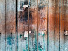 PhotoDune grunge old wood door