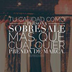 """Coco Chanel, una mujer elegante, con actitud y espíritu indomable decía: """"Viste vulgar y verán el vestido, viste elegante y verán a la mujer"""". Aparentar la clase y no tenerla se nota mucho más; porque brota por los poros tu esencia y ese es realmente el envoltorio de tu alma. #Inspiradiario  #conecta #mente #cuerpo #bienestar #vibrapositivo #styleblog #estilo #editorial  #vidasana #reflexion #espiritual #consciencia #pensamiento #frases #inspiradiario #vida #sabias #motivacion"""