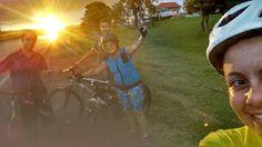 Pedalar, pedalar, pedalar...e assistir o por do sol.