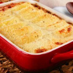 Potato Gratin (Batata Gratinada) Ingredientes 4 colher(es) de sopa de maionese 1 xícara(s) de chá de leite (200 ml) 1/2 colher(es) de chá de orégano seco 1 colher(es) de sop...