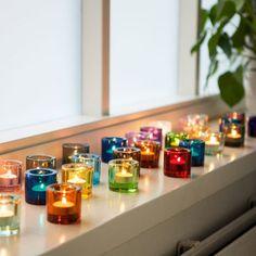 KIVIのキャンドルホルダーはクリアな表情がとても綺麗。ひとつひとつの蝋燭のゆらめきが鮮やかに映ります。