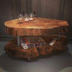 Boomstam salontafel 3.0  Het nieuwste model bestaat uit twee lagen zodat het niet alleen een oer dergelijke tafel is, maar ook nog eens praktisch!  Vervaardigd uit rest materiaal van een plataan (boomsoort).  Formaat: ca. 80cm lang X 50cm breed X 45cm hoog  €349,95  #boomstam #salontafel #creativeopen #woonwinkel #Tilburg  Www.creativeopen.nl