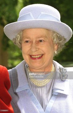 Britain's Queen Elizabeth II arrives at the Rambert Dance Company in west London 09 May 2001. The Queen toured the Rambert Dance Company as they celebrate their 75th anniversary to witness at first hand the day-to-day running of a dance studio.