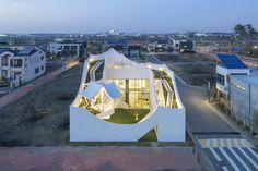 Flying House / IROJE KHM Architects