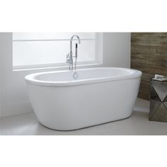 Update your decor with this American Standard Cadet Acrylic Flatbottom Freestanding Bathtub in Artic White with Polished Chrome Drain and Filler. Free Standing, Free Standing Tub, American Standard Bathtubs, Tub, Soaking Bathtubs, Faucet, Bathroom Design, Polished Chrome, Japanese Soaking Tubs