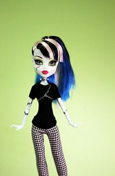 Monster High T & Pants by RequiemArt.com, via Flickr