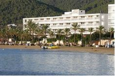 Hotel Arenal San Antonio de Portmany Featuring indoor and outdoor swimming pools, a sauna and bar-restaurant, Hotel Arenal is located 1 km from the centre of Sant Antoni de Portmany, Ibiza. The hotel is situated in front of San Antonio beach.
