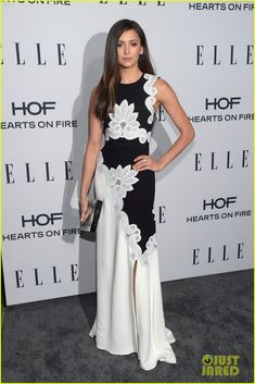 Sarah Hyland Hits Up Elle's Women in TV Dinner With Nina Dobrev: Photo #917693. Sarah Hyland waves to the cameras as she arrives for Elle's 2016 Women In Television Dinner held at Sunset Tower Hotel on Wednesday night (January 20) in West Hollywood,…