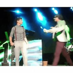 HARRY YOU SHOULD HAVE KISSED HIM !!!!!!!!!!!!!