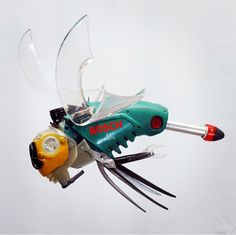 Don't get stung by this fella! #hubcapcreatures #cyberpunk #steampunk #bosch #recycle
