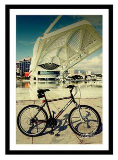Minha bike em lugares por onde passei no Rio de Janeiro.  #minhabike #fotobike #photobike #andrevieira #caloi #decoração #quadro