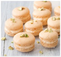 Citronge Orange Liquered Macarons: definitely making these as a summer dessert