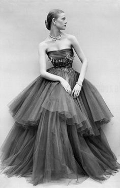 "Susan Abraham in a chiffon and tulle tiered evening gown with bead work on the bodice, photo by Don Honeyman, "" beautiful and timeless Vintage Glamour, Vintage Beauty, Vintage Outfits, Vintage Gowns, 1950s Style, Moda Vintage, Vintage Mode, Fifties Fashion, Retro Fashion"