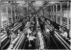 Interior_of_Magnolia_Cotton_Mills_spinning_room._See_the_little_ones_scattered_through_the_mill._All_work._Magnolia..._-_NARA_-_523307.jpg (Obrazek JPEG, 3000×2137 pikseli) - Skala (44%)