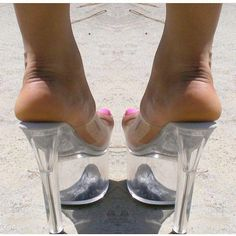 Platform Sandals - Choosing The Right Shoes - Some Tips And Advice Sexy High Heels, Beautiful High Heels, Sexy Legs And Heels, Gorgeous Feet, Hot Heels, Platform High Heels, High Heel Boots, Jamel Shabazz, Talons Sexy