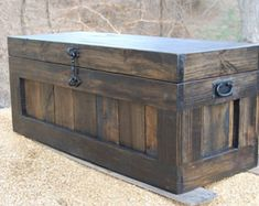 This is our Large Classic Weathered Gray Hope Chest. This Chest offers great storage in almost any room of your home. Use it in the Entry for shoe and jacket storage as well as seating to put on shoes. Move it to the living room as the perfect Rustic Coffee Table Chest. Or in the Bedroom at the foot of the bed for storage of extra linens, blanket or clothes. This Chest will be a welcome addition to your home anywhere you choose to use it! Our Chests are made from Recycled Shipping Pallet…